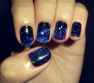 Blue nail design ideas in this first example you see some very nice nail design using dark ble in combination with some very fine white decoration to give the nail design some prinsesfo Image collections